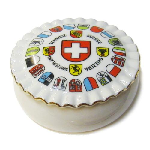 Boite suisse en porcelaine
