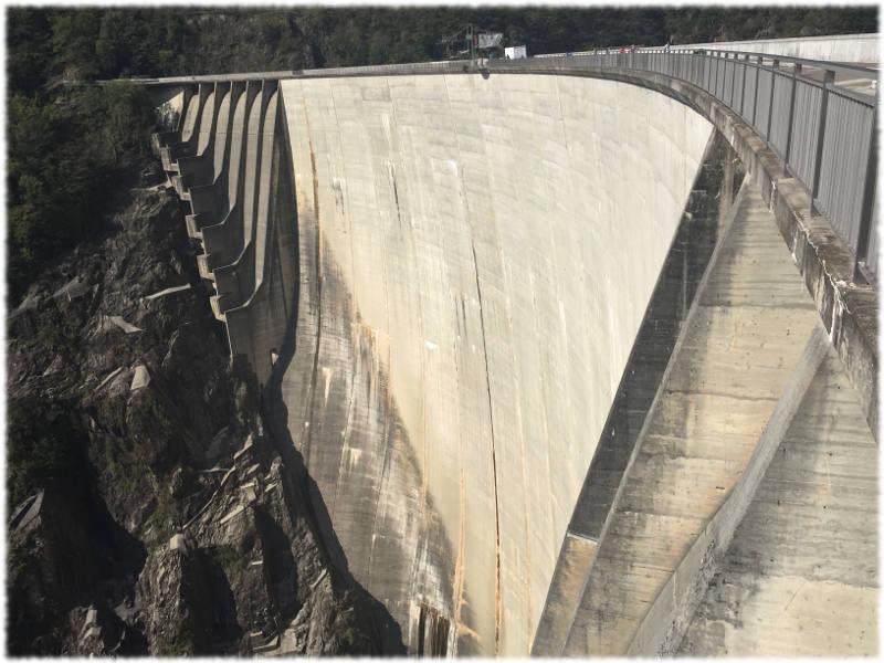 Barrage Val Versasca