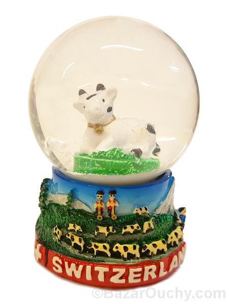 Boule a neige vache suisse