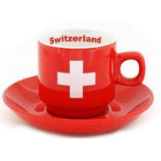 Tasse croix suisse rouge avec sous tasse